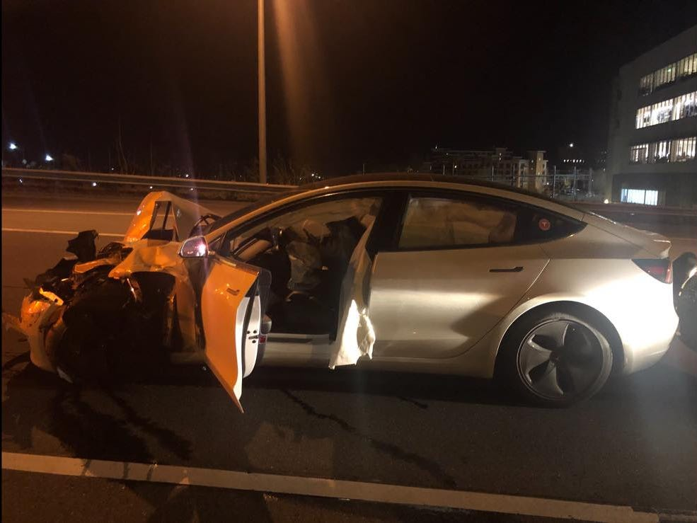 Tesla 3 crash